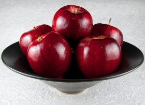 bowl-of-apples-21