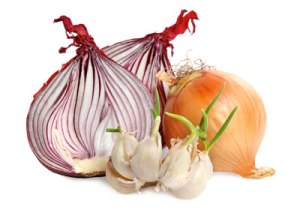 Home-Remedies-For-Tooth-Pain-garlic-onion